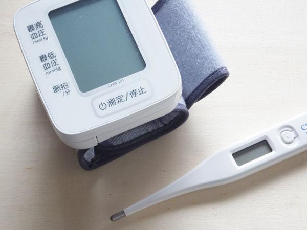 血圧計と体温計